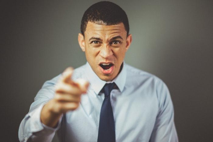 転職エージェントへのクレームはどんな時に入れる?